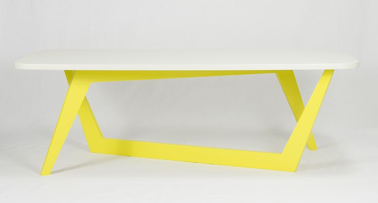 Viceversa coffee table by Microstudio