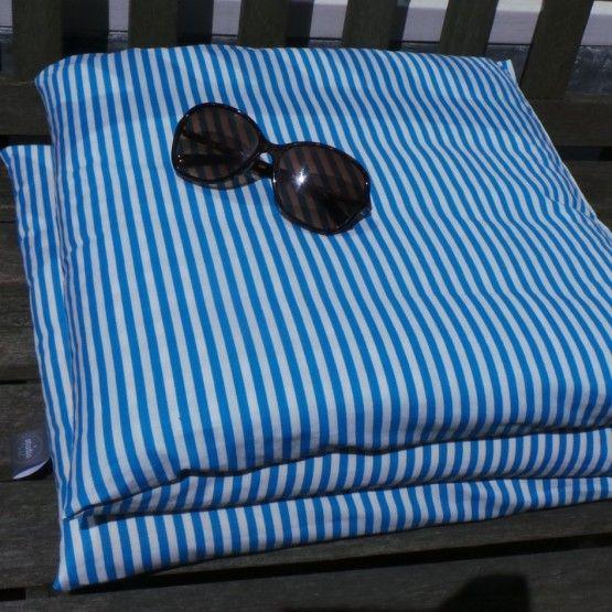 Kussenmatras: om lekker buiten te lounge op je bank of voor de kids om op te luieren. Handig opvouwbaar in 3 delen.afmeting: 120*40cmandere stof is mogelijk (check de stoffen op deze site)