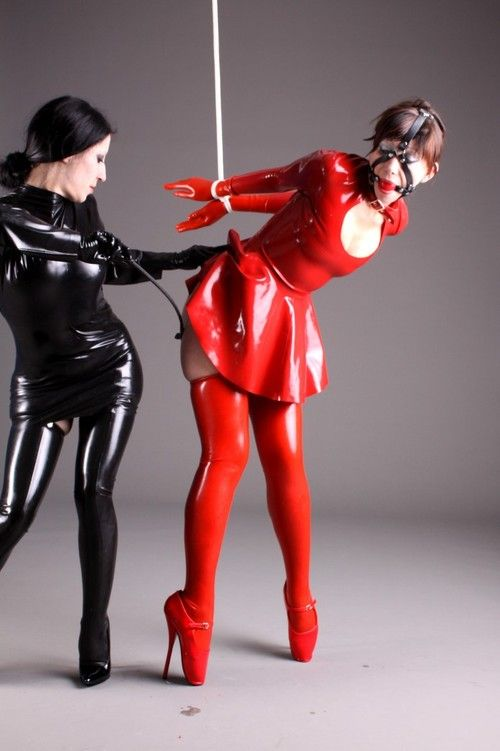 latex submissives
