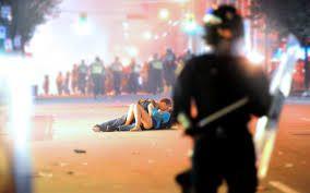 Vancouver kiss riot