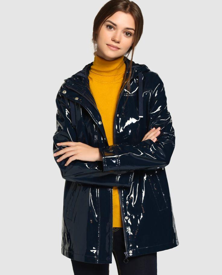 Dark blue raincoat that looks very stylish in my opinion!