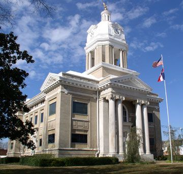 Chickasaw County Courthouse in Houston, MS
