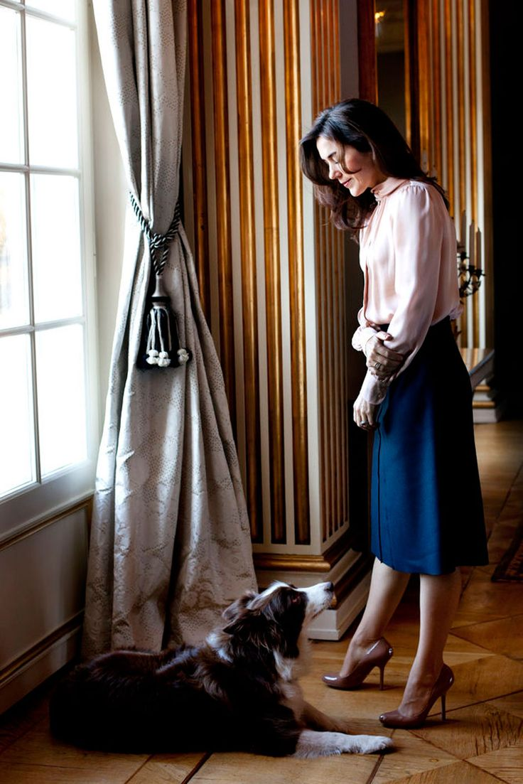 Crown Princess Mary - Love the skirt and blouse