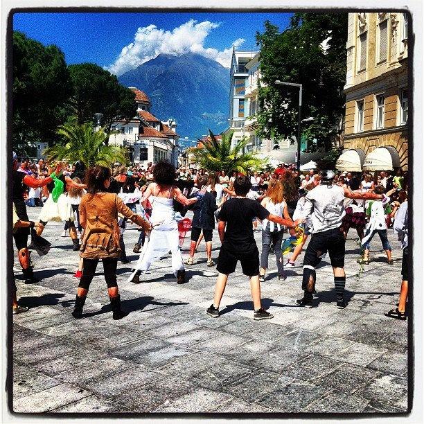 flash mob danced to Thriller, in Piazza della Rena, Meran