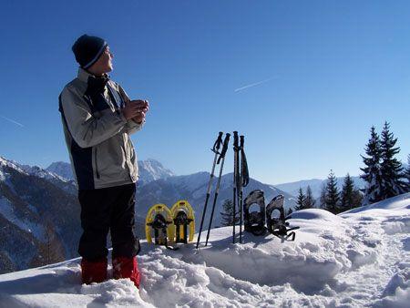 http://www.tiroler-adler.at/de-schneeschuhwandern.htm Schneeschuhwandern im Winterurlaub im Pillerseetal in Tirol