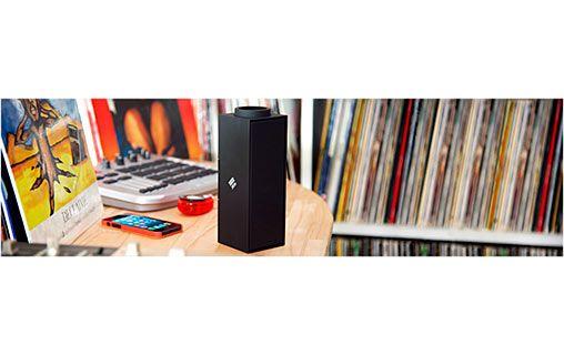 Un son de qualité, partout, et sans fil ! NATIVE UNION Switch Noir - Enceinte Bluetooth pour iPhone, iPad et iPod - Enceinte dédiée MP3 - NATIVE UNION - MacWay #Accessoires #high #tech #musique #enceinte #Bluetooth #technologie #son #Macway #iPhone #iPad #iPod #Native #Union #Switch