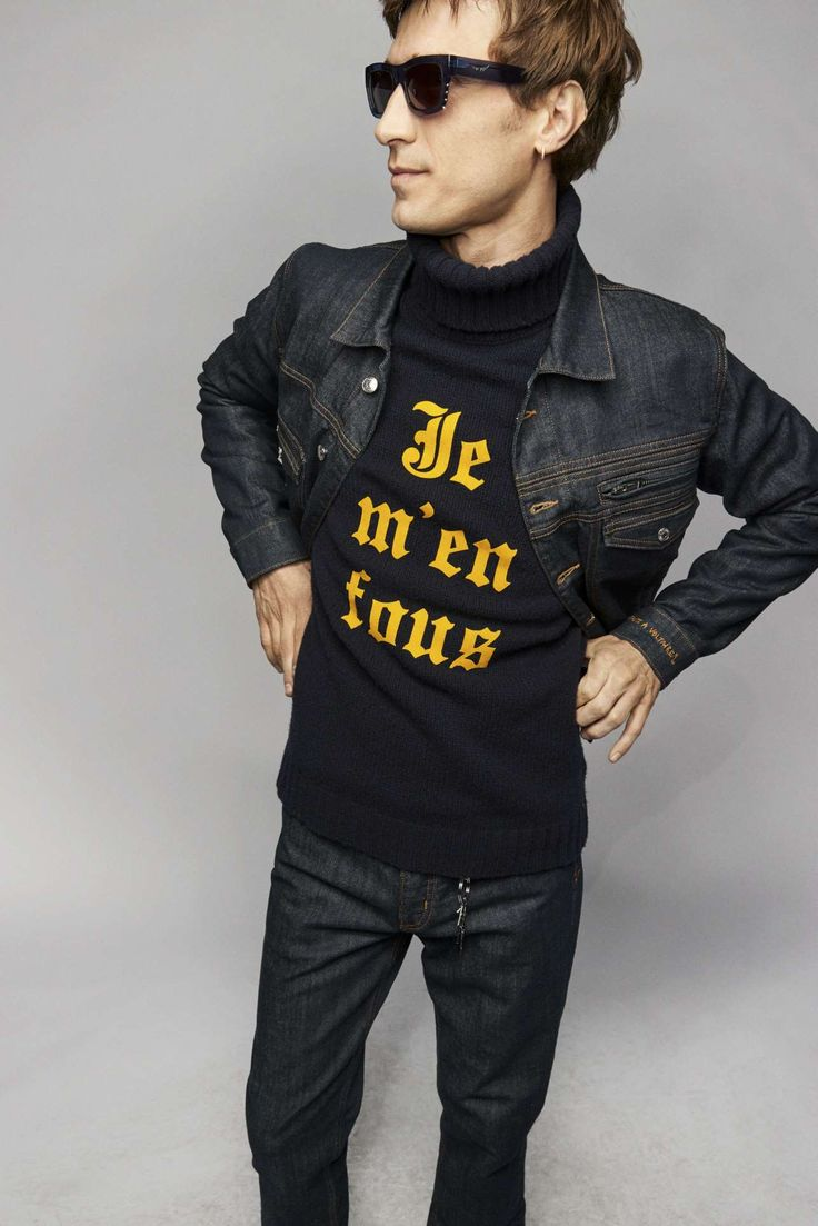 Zadig & Voltaire adapta la irreverencia urbanista a su colección Fall-Winter 2021 Male Fashion Trends, Fashion News, Fashion Show, Runway Fashion, Fashion Beauty, Vintage Couture, Parka, Celebrity Style, Ready To Wear