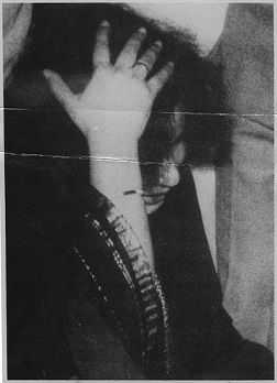 25 March 1989 - A Weeping Jayalalithaa showing to Newsmen the spot on the Head where the DMK Members alleged hit her in the Tamil Nadu Assembly.