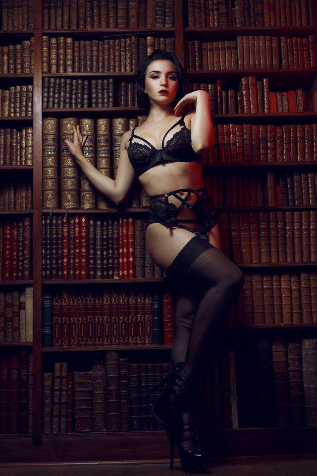 Gil Vicente – Cle De Velours • Dark Beauty Magazine