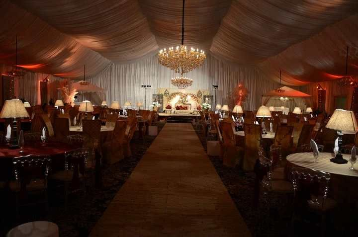 20*35m Large Party Marquees for Sale.Here you can find most beautiful party marquees for sale with best price delivered to you. Why rent? Buy from us you get cheaper price. Shelter Party Tent marquees are available in a variety of different shapes and sizes which are available in clear-span widths of 6m / 9m / 12m / 15m.