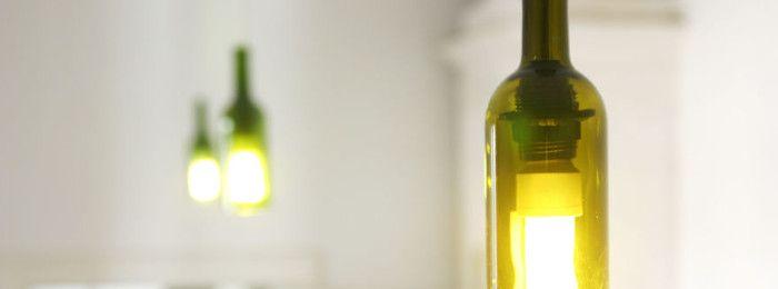 Как превратить пустые бутылки вина в красивые потолочные светильники