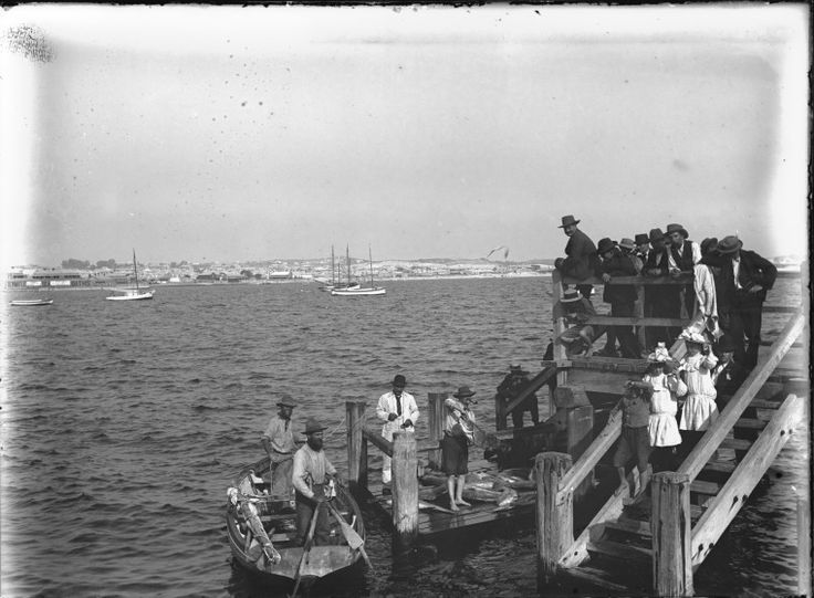 006491PD: Landing fish on the jetty at Fremantle Fishermans Harbour, ca.1905.  http://encore.slwa.wa.gov.au/iii/encore/record/C__Rb2530322__SLanding%20fish%20on%20the%20jetty%20at%20Fremantle%20Fishermans%20Harbour__Orightresult__U__X6?lang=eng&suite=def