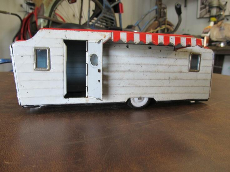 VINTAGE ANTIQUE 1960'S or 70's METAL TOY PULL BEHIND CAMPER TRAILER HOUSE VAN   eBay