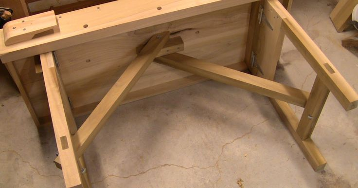 Close Grain: Portable Workbench, part 3