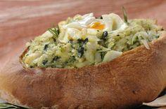 Pão recheado com bacalhau e espinafres