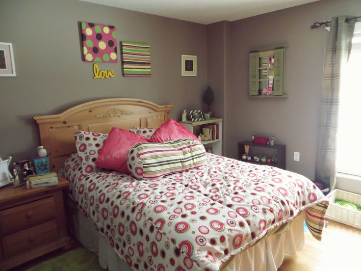 magnificent gray and white themed teen room decorations with beautiful rounded pattern bedding accessories on the