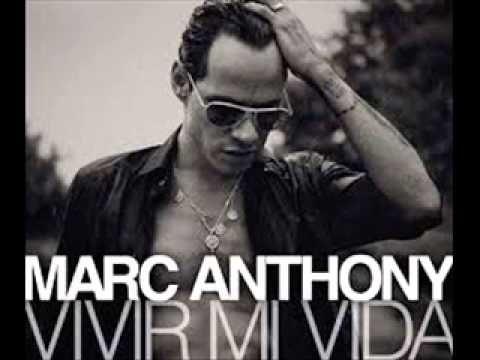"""Marc Anthony es un musico inspirador que lo que es de lo que me gusta de el inspira personas de seguir adelante con una cancion famosa que se llama """"Vivir Mi Vida"""""""