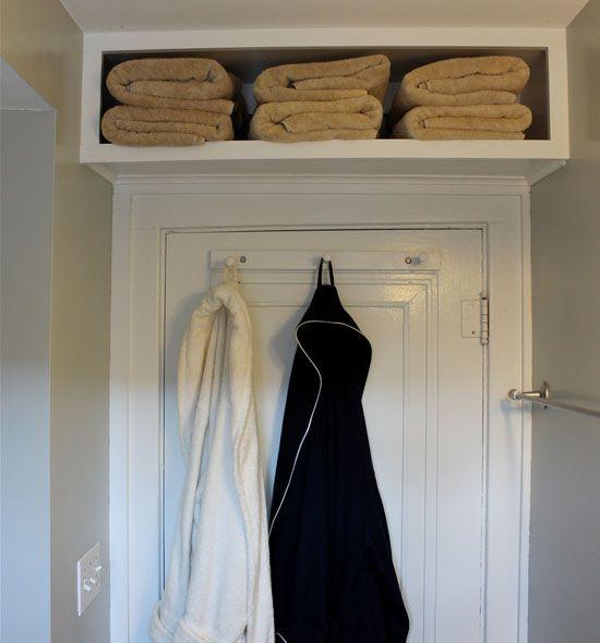 Stockage de serviettes de bain pour les petites salle de bains --- AVEC L'ENCADREMENT, C'EST + JOLI QU'UNE SIMPLE ETAGERE