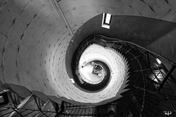 RAFAŁ KALINOWSKI - Wnętrze latarni morskiej w Krynicy Morskiej