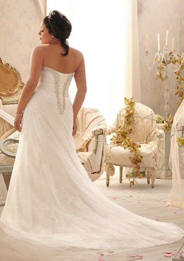{Curvy Wedding Dress of the Week} Mori Lee ~ Julietta Spring 2014 Collection | The Pretty Pear Bride
