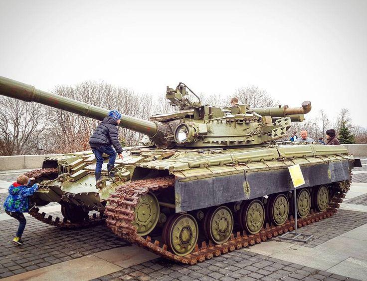 "6 Likes, 1 Comments - Pixel Panzers Official InstaG! (@panczarone) on Instagram: ""🇺🇦 T64 Soviet MBT ~ #т64 #ukraine #tank #tanks #танк #танки #україна #soviet #sovietunion #cccp…"""