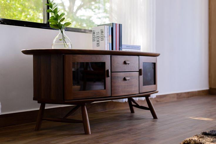 ISSEIKI テレビボード 無垢 【他にはない家具が欲しい方へ】 ウォールナット材 高級 高品質 デザイナー家具 木製_ISSEIKI_通販_ Amazon|アマゾン