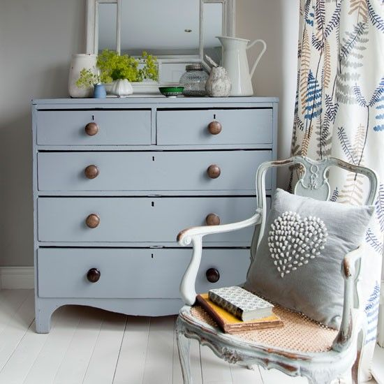 Give a chest of drawers a new lease of life with china blue paint