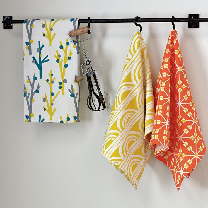 Cute Kitchen Towels & Fabric Tips...a MUST replace every Spring!  #springintothedream