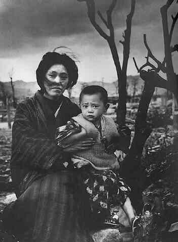 1945. Japan. Mother and Child Hiroshima. Alfred Eisenstadt 1898-1995 American b.Poland