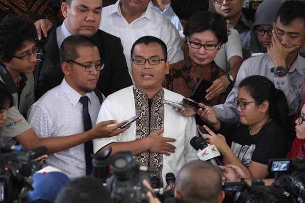Polri Imbau Denny Indrayana Manfaatkan Pemeriksaan untuk Klarifikasi http://sin.do/atXL  http://nasional.sindonews.com/read/977167/13/polri-imbau-denny-indrayana-manfaatkan-pemeriksaan-untuk-klarifikasi-1426494273