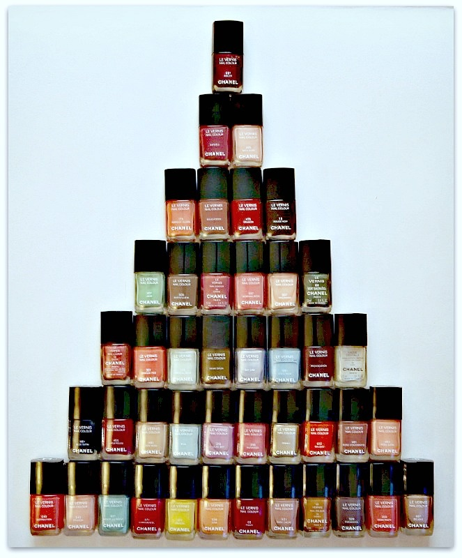 #chanel #nail varnish - so many colors so few days of the week... What's a lady to do?