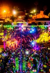 Electric Run. Coming to my city soon. Finally a 5k that I don't have to get up at Dawn for!