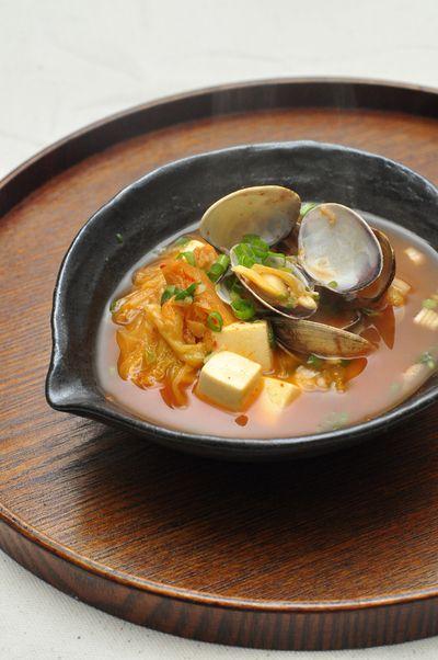 「豆腐とアサリ入りのキムチスープ」のレシピ by ぐつぐつさん | 料理レシピブログサイト タベラッテ