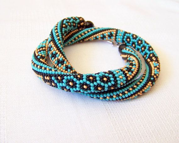 Bead crochet necklace with geometric pattern