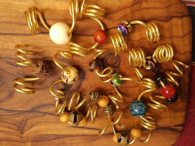 Dreadlock Schmuck verschiedene Spiralen GOA Hippie Spiralen für Dreads aus goldenem Draht, verziert mit verschiedenen Perlen hier, siehe Bilder (Nach Kauf bitte wählen welche - ich werde hier...