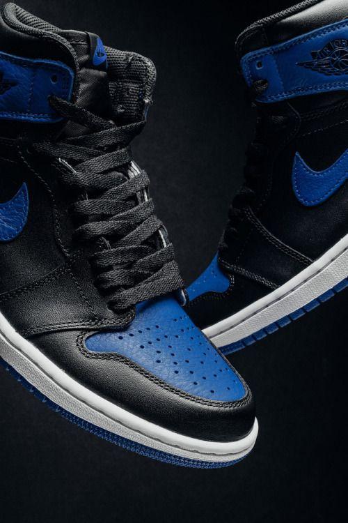 featurelv: Nike Air Jordan 1 Royal