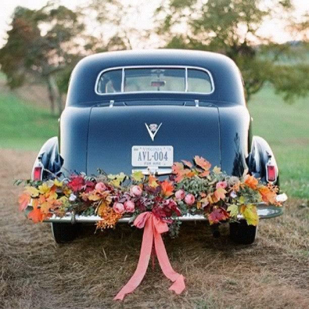 Blumendeko für das Brautauto #1001hochzeiten
