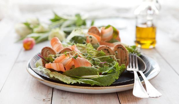 Pääsiäispupun salaatti #pääsiäinen #salaatti #avokado #cashew #karpalo #kanapee