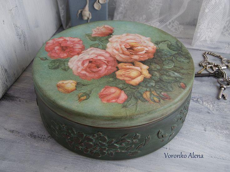 """Купить Шкатулка """"Розовый куст"""" - Декупаж, тёмно-зелёный, gjlfhjr, короб, шкатулка, розы"""