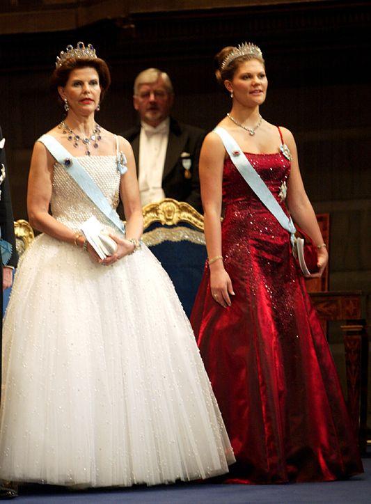 FLASHBACK: Нобелевские наряды шведских королевских дам: ru_royalty