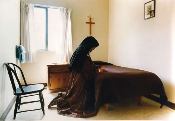 A Catholic Nun S Cell Google Search Nuns A Room Of