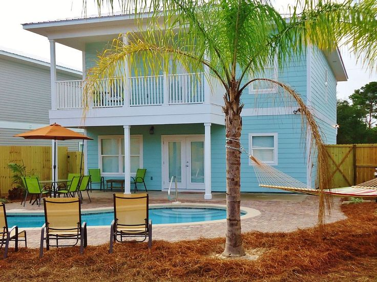 12 Girlfriend Getaways Great houses for rent from coast to coast. Cheaper and more spacious than a hotel. I love the one in Destin, Florida!!