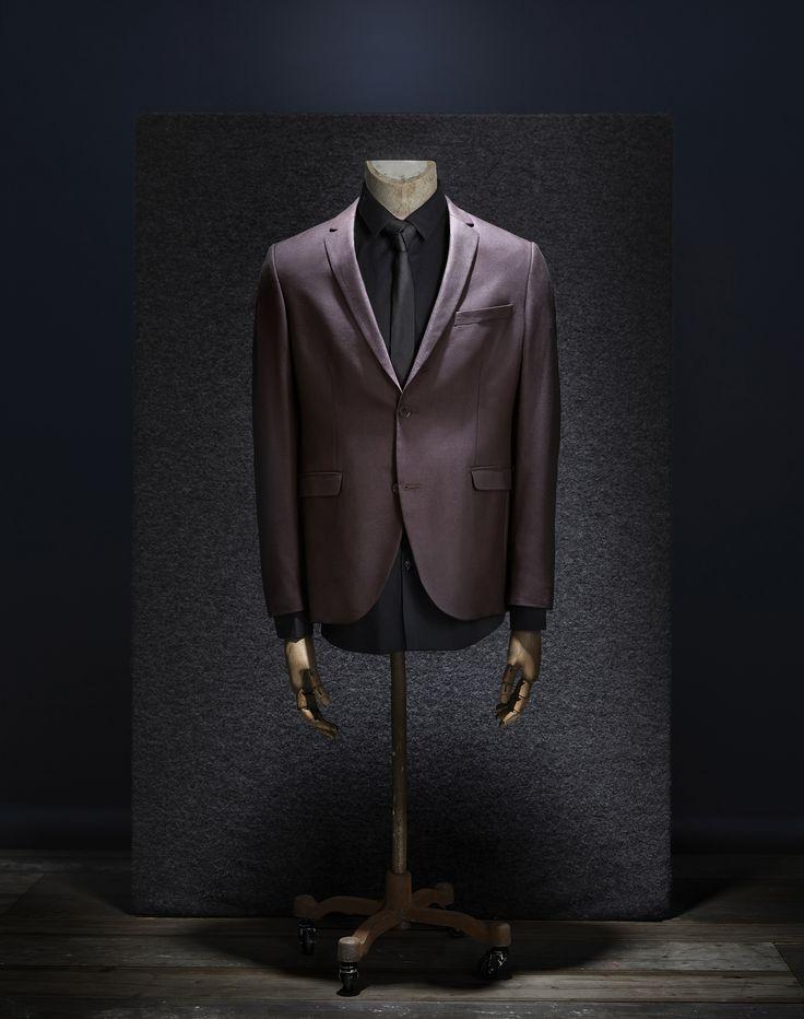 #suit #mannequin #light