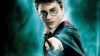 Μαγικά νέα για τους θαυμαστές του Χάρι Πότερ   Το σύμπαν του Χόγκουαρτς πρόκειται να επεκταθεί με άλλα δύο νέα βιβλία του Χάρι Πότερ που θα κυκλοφορήσουν τον Οκτώβριο. Η κυκλοφορία τους θα συμπέσει με έκθεση της βρετανικής Βιβλιοθήκης... from ΡΟΗ ΕΙΔΗΣΕΩΝ enikos.gr http://ift.tt/2vsNPn5 ΡΟΗ ΕΙΔΗΣΕΩΝ enikos.gr