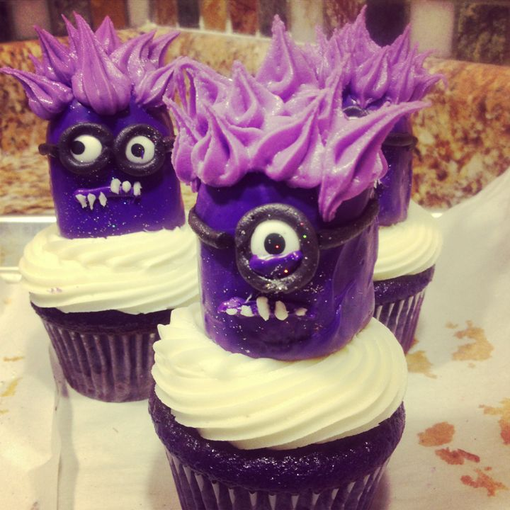 purple minion cupcakes | ... purple coated twinkie using another small round tip the purple hair