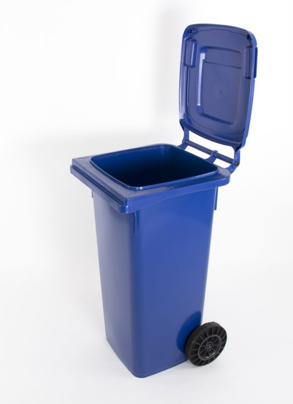 Pubela de 120 de litri din material plastic este soluția noastră la curățenia localităților şi a gospodăriilor clienților noștri. Produsul este certificat pentru conformitate cu standardele EN 840-1, EN 840-5 și EN 840-6 conform Certificatului de Conformitate nr. MK 69249573 0001 emis de Tüv Rheinland