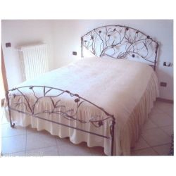 Wrought iron bed. Customize Realizations. 984