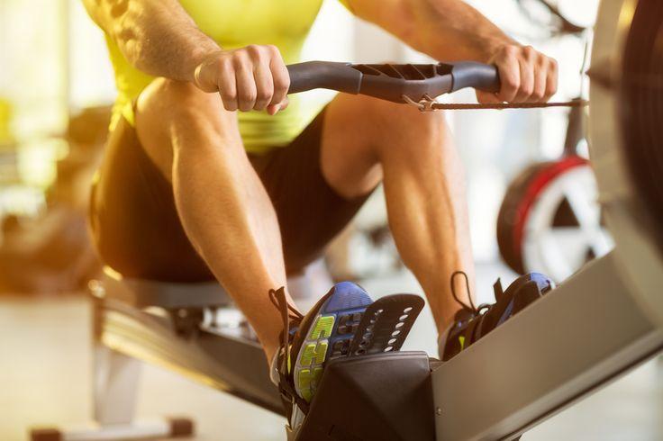 """Как вернуться к тренировкам после каникул? """"Втягивающие"""" тренировки В первое время занимайтесь в режиме простых «втягивающих» тренировок и обязательно добавьте к привычной программе растяжку. Стретчинг развивает гибкость и стимулирует кровообращение в мышцах, способствуя их ускоренному восстановлению после силовых нагрузок. Кстати, регулярные занятия стретчингом значительно улучшают эластичность мышц, сухожилий и связок. А за счет этого значительно снижается риск получения травм. Укрепляющая…"""