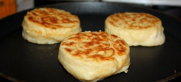 These Paleo English muffins are fast, grain-free and low-carb. This is an absolutely lovely recipe. You will enjoy. Only 200 kcal & 5 g carbs.