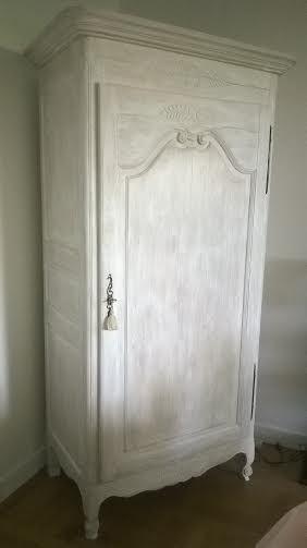 si vous avez décidé de faire votre décoration d'intérieur avec des meubles shabby chic. Le style de déco shabby chic peut être d'une apparence pas très structurée et sans règles bien définies, mais il est sans aucun doute très élégant. En savoir plus sur http://decodesign.space-blogs.com/blog-note/207368/meubles-relookes-shabby-chic-par-ldd.html#dXlIxYP2jpmBGhvb.99